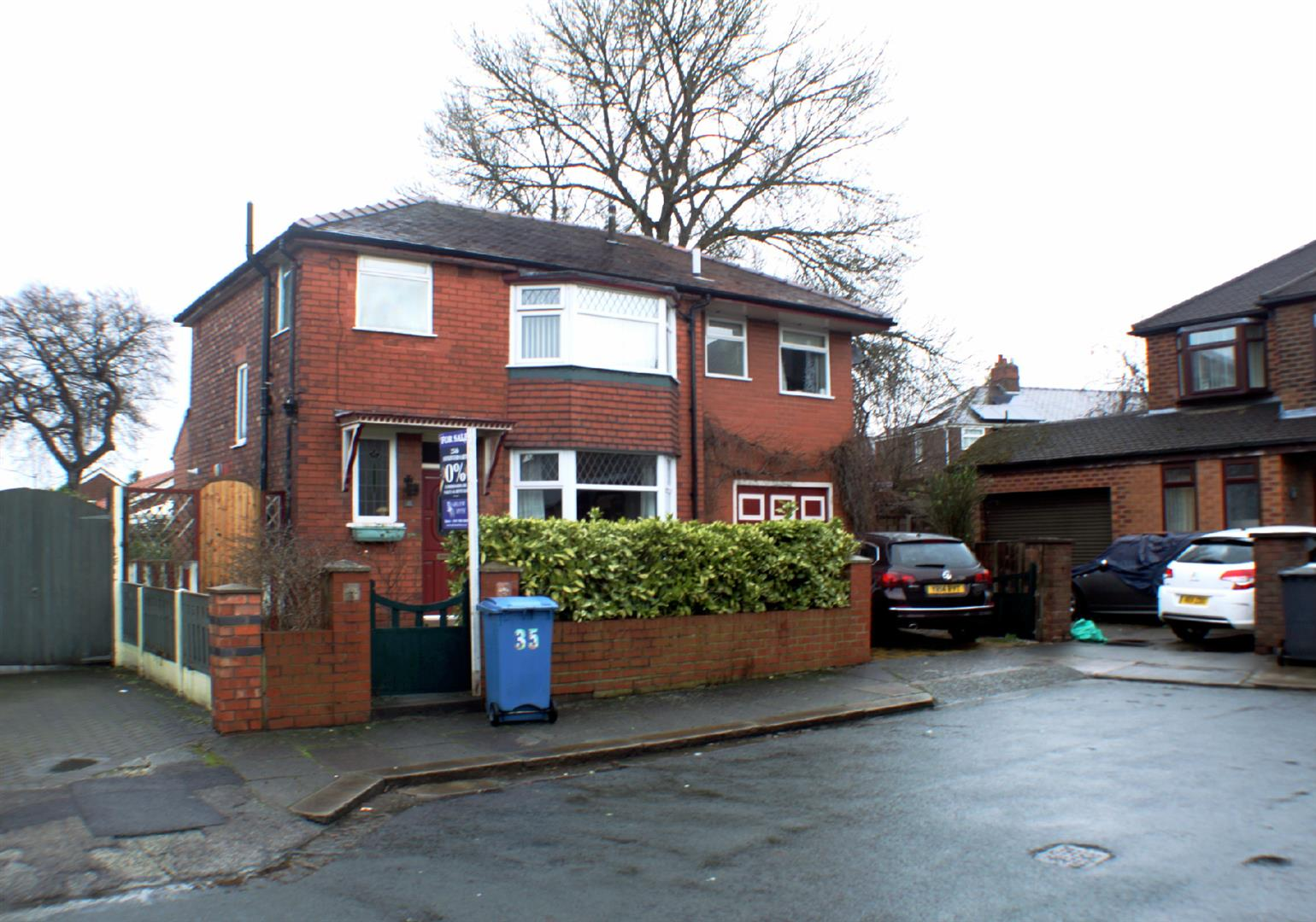 4 Bedrooms Detached House for sale in Dartford Avenue, Eccles, Manchester